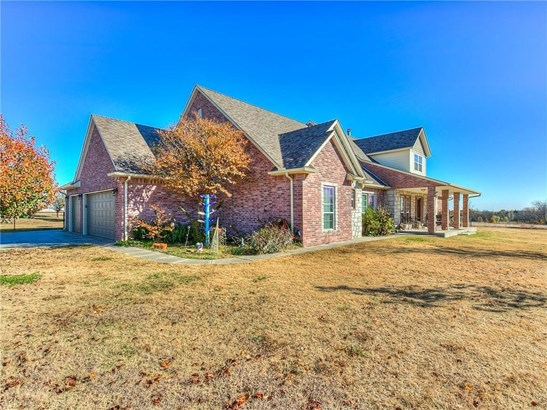 Traditional, Single Family - Norman, OK (photo 4)