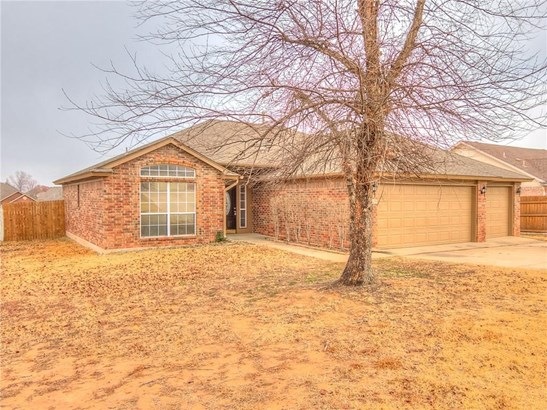 Traditional, Single Family - Midwest City, OK (photo 1)