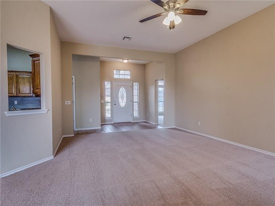 Traditional, Single Family - Midwest City, OK (photo 2)