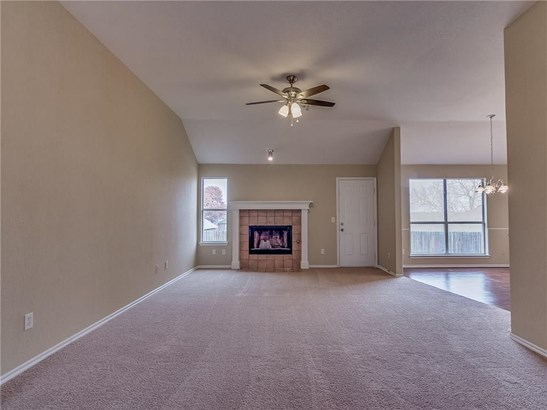 Traditional, Single Family - Midwest City, OK (photo 5)