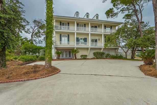 Detached Single Family, Southern - St. George Island, FL