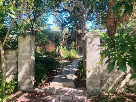 Detached Single Family - Florida Cottage,Open Floor Plan,Split Bedroom