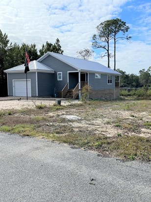 Detached Single Family, Custom,Open Floor Plan - Carrabelle, FL