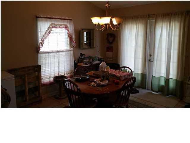 Detached Single Family - EASTPOINT, FL (photo 5)