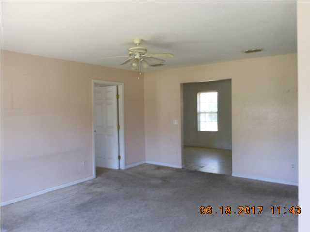 Detached Single Family - EASTPOINT, FL (photo 2)