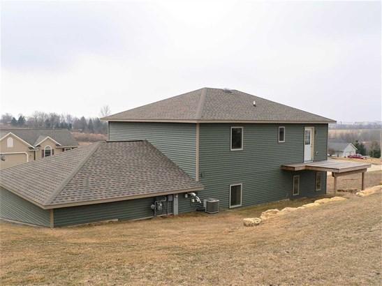Raised Ranch, 2 story - Barneveld, WI (photo 3)