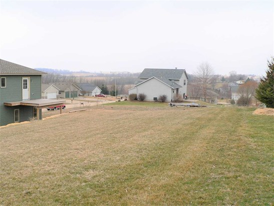 Raised Ranch, 2 story - Barneveld, WI (photo 4)