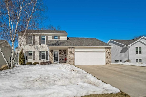 Colonial, 2 story - McFarland, WI