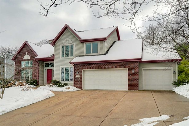 Contemporary, 2 story - Fitchburg, WI