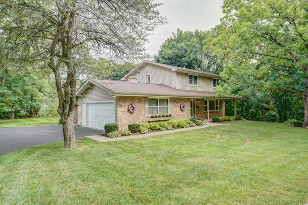 Contemporary,Colonial, 2 story - Madison, WI