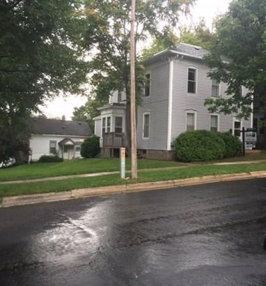 1 story,2 flat - Stoughton, WI (photo 1)