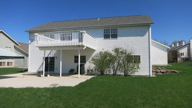 Tri-level, Multi-level - Cottage Grove, WI (photo 2)