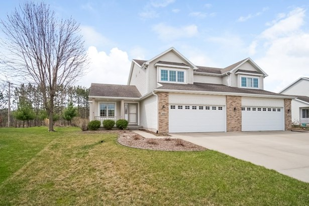Contemporary,Colonial, 2 story,Shared Wall/HalfDuplex - McFarland, WI (photo 1)