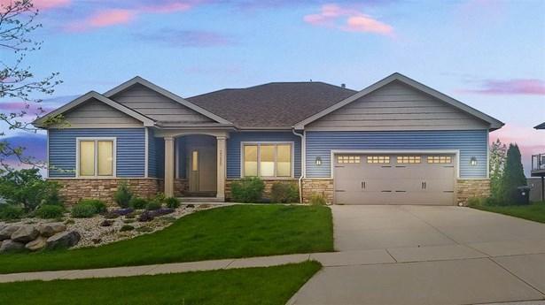Ranch,Prairie/Craftsman, 1 story,BldgPlan w/Lot - Waunakee, WI (photo 1)