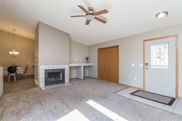 Ranch-1 Story,Shared Wall/Half duplex - Madison, WI (photo 4)