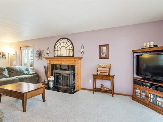 Colonial, 2 story - Cross Plains, WI (photo 2)