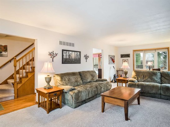 Colonial, 2 story - Cross Plains, WI (photo 4)