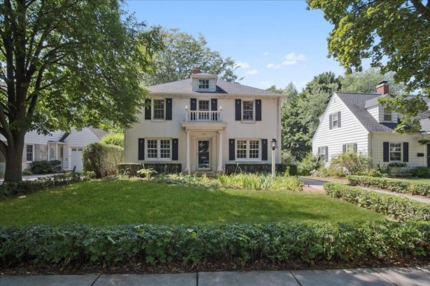 Colonial, 2 story - Madison, WI