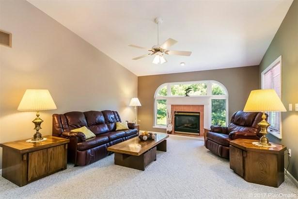 Ranch, 1 story,Condominium - Portage, WI (photo 4)