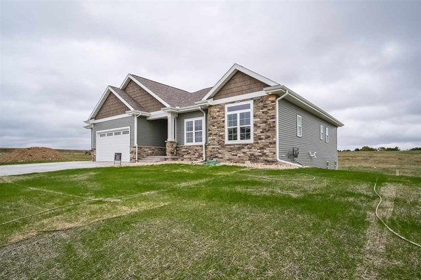 1 story,New/Never occupied, Ranch - DeForest, WI (photo 2)