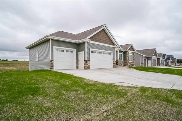 1 story,New/Never occupied, Ranch - DeForest, WI (photo 3)