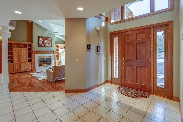 Contemporary, 2 story - Fitchburg, WI (photo 5)