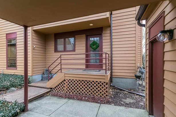 Townhouse-2 Story,Shared Wall/Half duplex - Madison, WI (photo 2)
