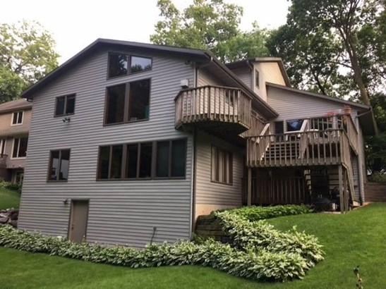 Contemporary, Multi-level - Lake Mills, WI (photo 4)