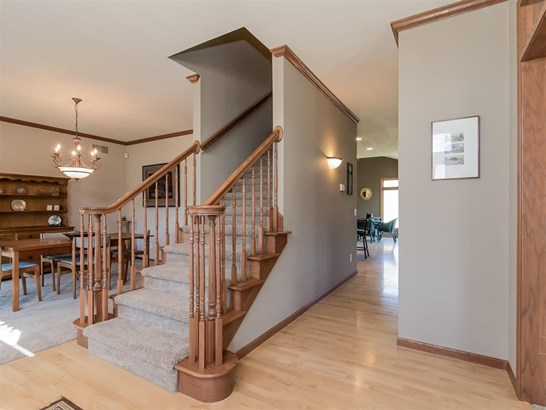 Colonial, 2 story - Middleton, WI (photo 2)