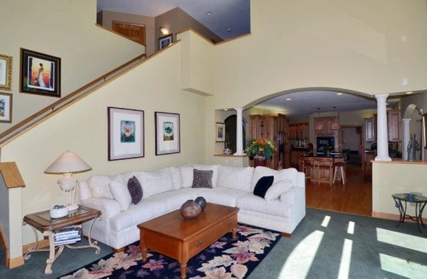 Contemporary,Colonial, 2 story - Waunakee, WI (photo 4)