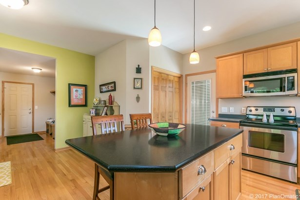 Bungalow,Cape Cod,Prairie/Craftsman, 2 story - Fitchburg, WI (photo 3)