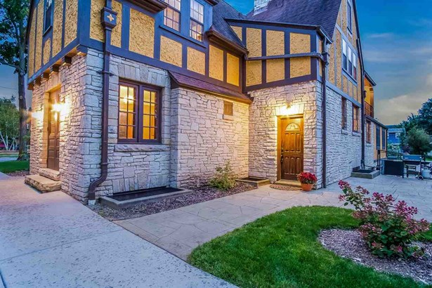 2 story, Tudor/Provincial - Columbus, WI (photo 3)
