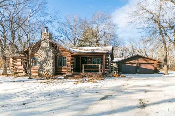 1 story, Ranch,Log Home - Reedsburg, WI (photo 1)