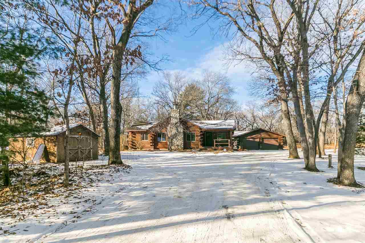 1 story, Ranch,Log Home - Reedsburg, WI (photo 2)