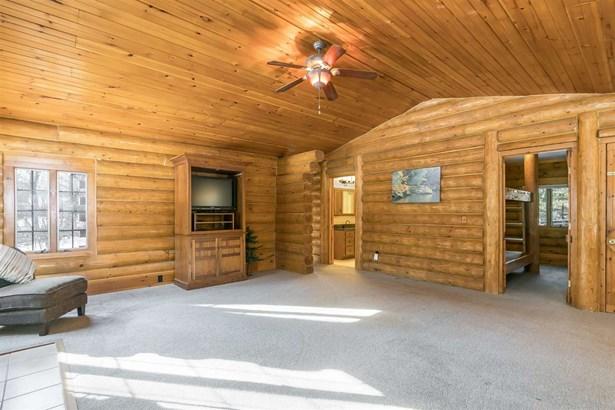 1 story, Ranch,Log Home - Reedsburg, WI (photo 4)