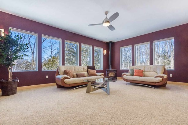 Contemporary, 2 story - Middleton, WI (photo 3)