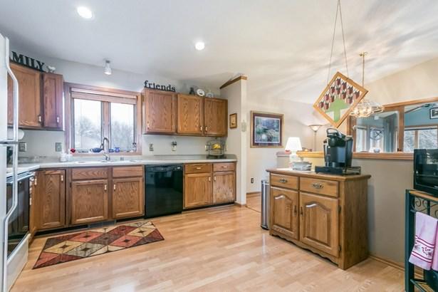 Multi-level, Bi-level,Raised Ranch - Stoughton, WI (photo 3)