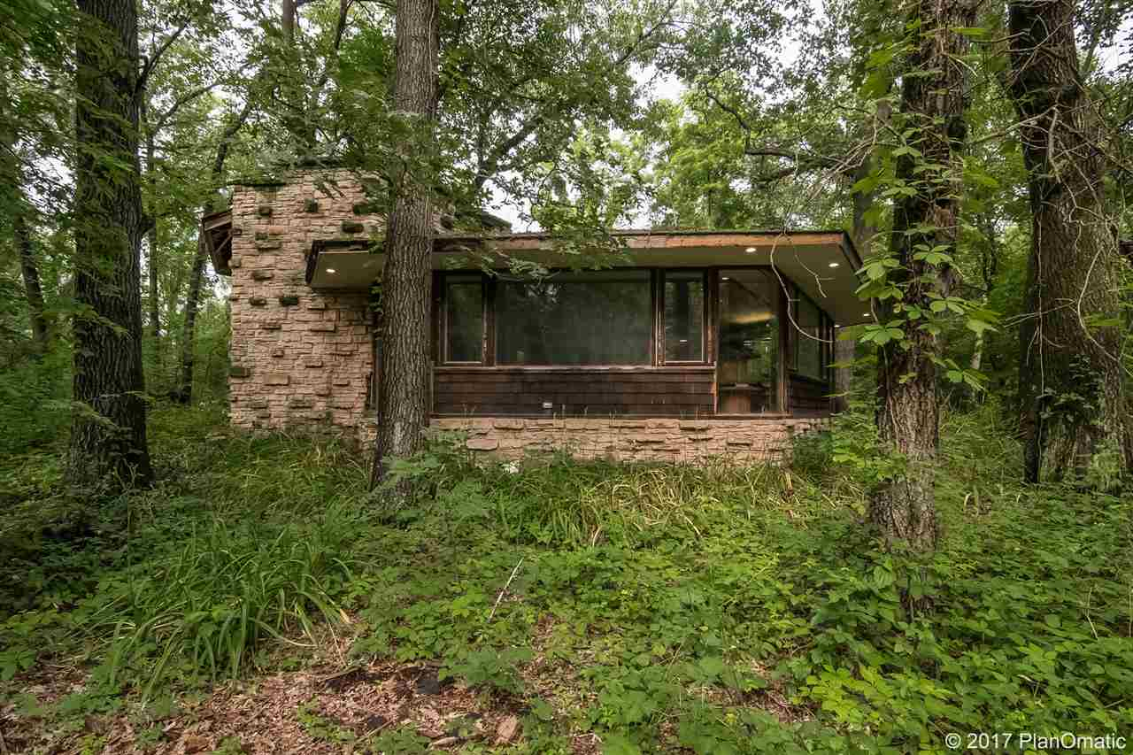 1 story, Prairie/Craftsman - Spring Green, WI (photo 2)