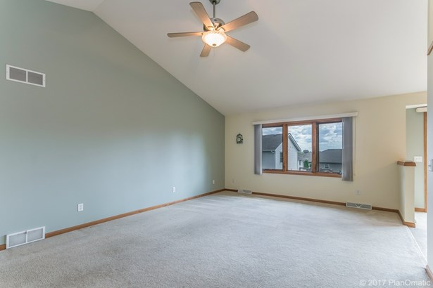 1 story, Ranch - Cottage Grove, WI (photo 4)