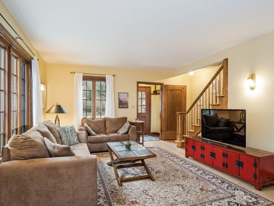 Colonial, 2 story - Madison, WI (photo 4)