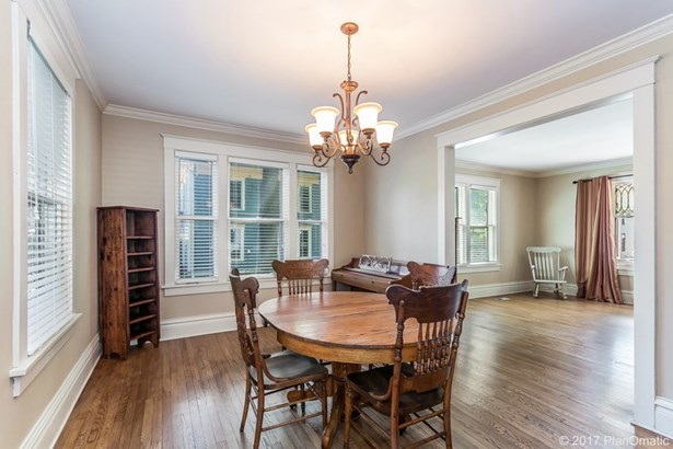 Colonial,Victorian, 2 story - Stoughton, WI (photo 3)