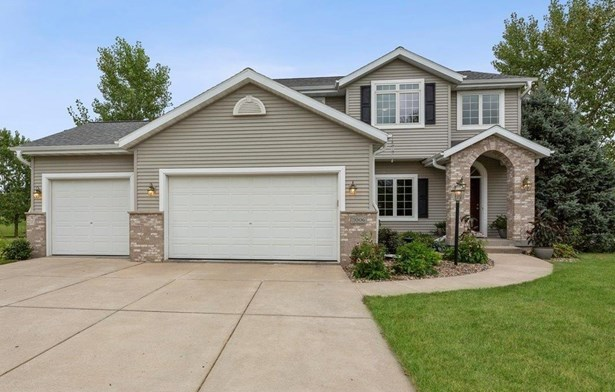 Colonial, 2 story - Waunakee, WI