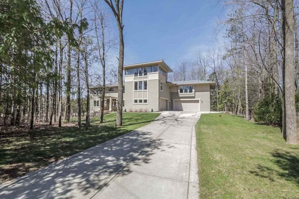 Contemporary,Colonial, 2 story - Middleton, WI (photo 2)
