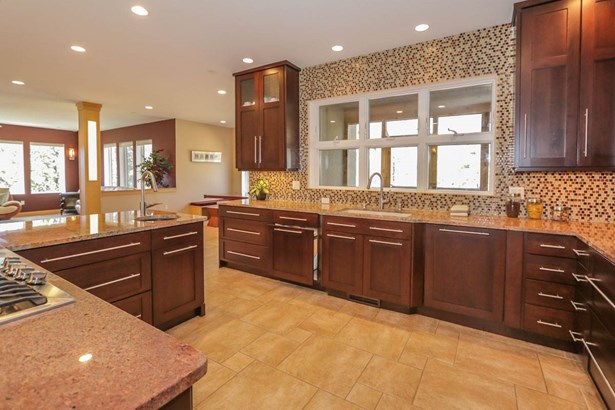 Contemporary,Colonial, 2 story - Middleton, WI (photo 3)