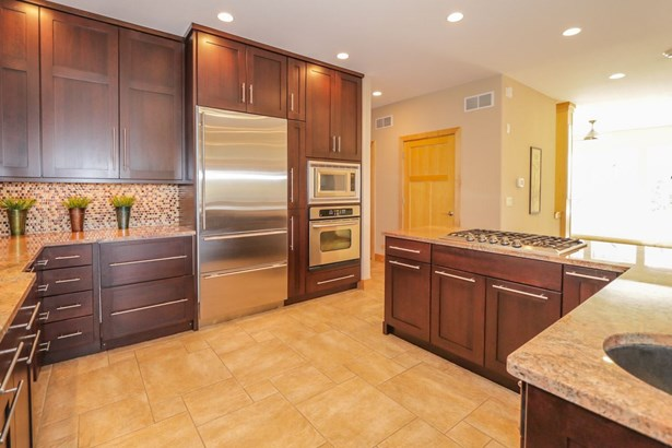 Contemporary,Colonial, 2 story - Middleton, WI (photo 4)