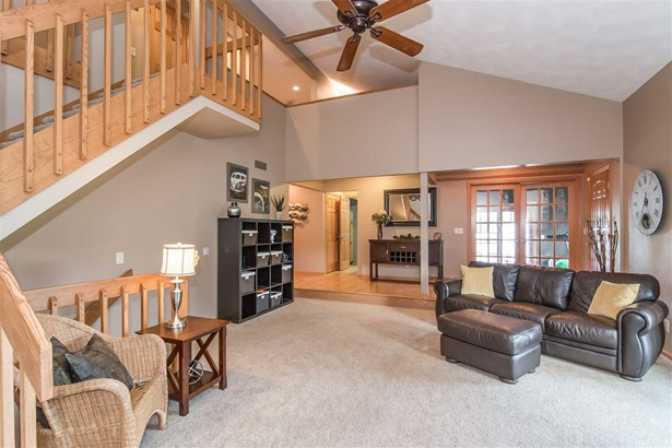 Contemporary,Colonial, 1 1/2 story - Waunakee, WI (photo 4)