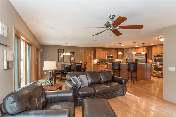 Contemporary,Colonial, 1 1/2 story - Waunakee, WI (photo 5)