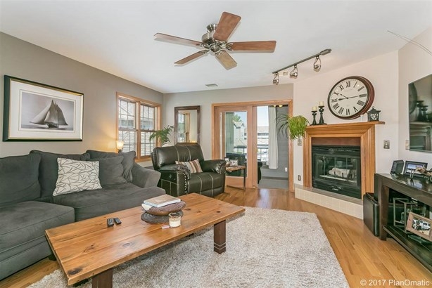 Townhouse-2 Story,End Unit - Madison, WI (photo 3)