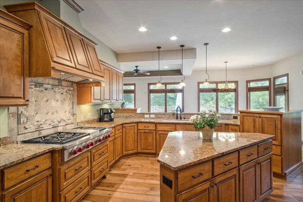 1 story, Ranch,Contemporary - DeForest, WI