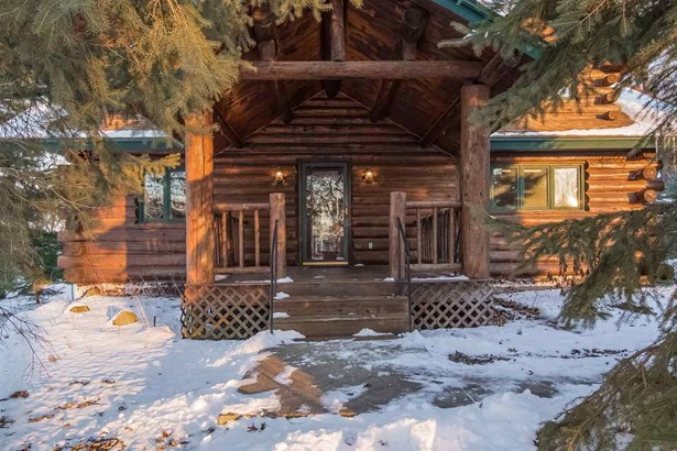 2 story, Log Home - Pardeeville, WI (photo 4)